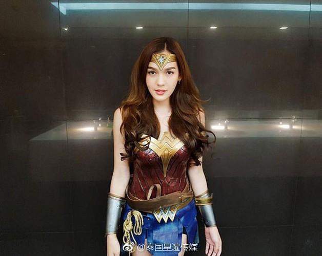 My nhan chuyen gioig noi tieng khi hoa than thanh Wonder Woman-Hinh-2