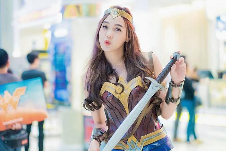 My nhan chuyen gioig noi tieng khi hoa than thanh Wonder Woman-Hinh-3