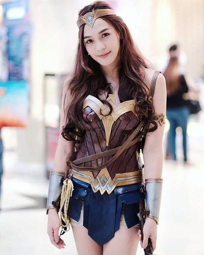 My nhan chuyen gioig noi tieng khi hoa than thanh Wonder Woman-Hinh-6