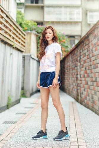 """Hot girl """"trieu like"""" Dai Loan gay soc nho mat moc cuc xinh-Hinh-2"""