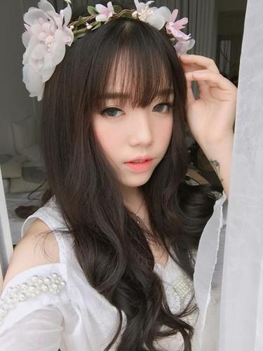 Guong mat moc cua co gai 9X noi tieng nho live stream-Hinh-9