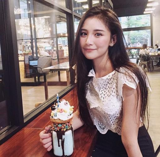 My nhan Dai Bac co than hinh nuot na nho cham di bo-Hinh-8