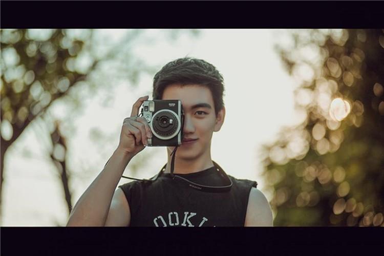 Hot boy Kinh te Quoc dan dep trai nhu dien vien dien anh-Hinh-2