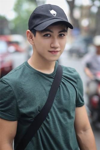 Hot boy Kinh te Quoc dan dep trai nhu dien vien dien anh
