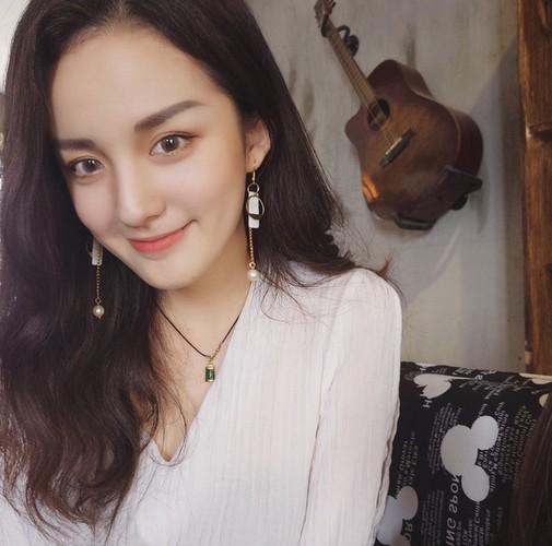 "Nhan sac cuc ""chat"" cua my nu su pham Trung Quoc-Hinh-6"