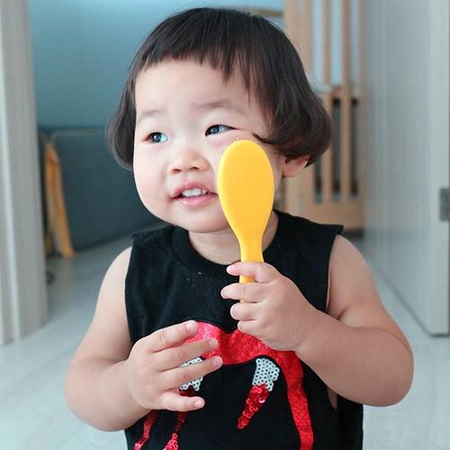 """Be gai Han Quoc noi tieng voi mai toc """"gao dua""""-Hinh-2"""