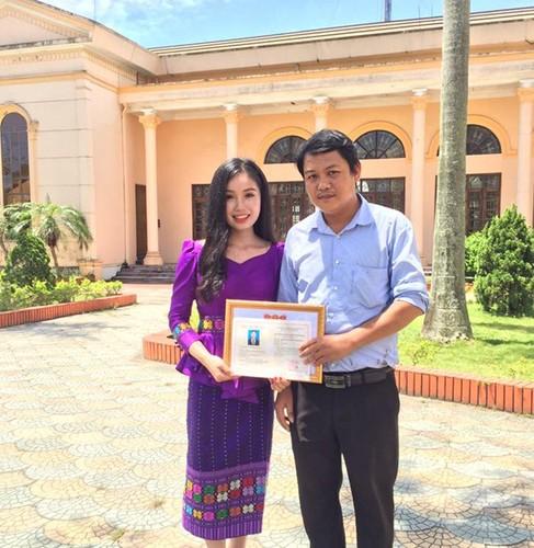 Thieu nu Lao va uoc mo lam bac si tai Viet Nam-Hinh-6