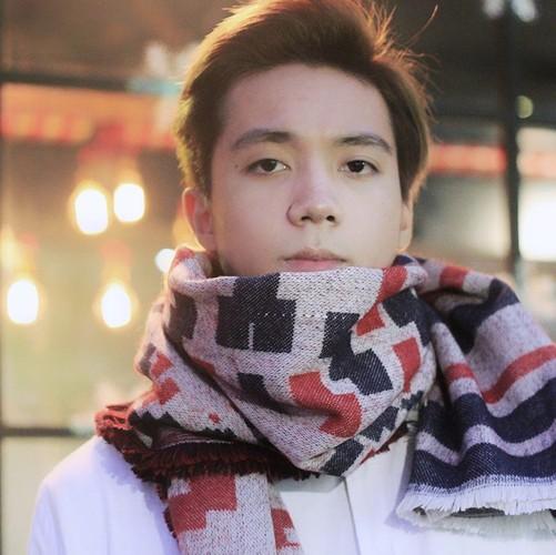 Hot boy Kinh te Quoc dan co khuon mat giong Soobin Hoang Son