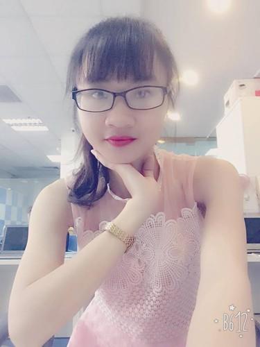 Nu sinh Cong nghiep khoe bua an ngon chua toi 25.000 dong