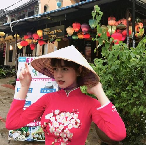 Nu sinh DH Hoa Sen sieu nhi nhanh va dang yeu-Hinh-4