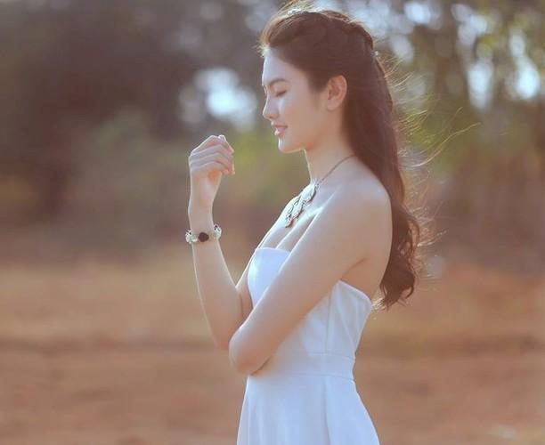 Nu sinh 10X Dong Nai khoe sac ben ao dai trang-Hinh-9