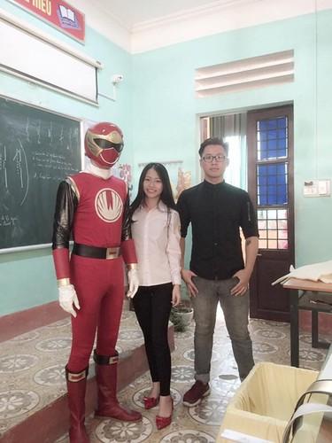 "Xon xao ""sieu nhan"" xuat hien trong le khai giang o Lao Cai-Hinh-6"