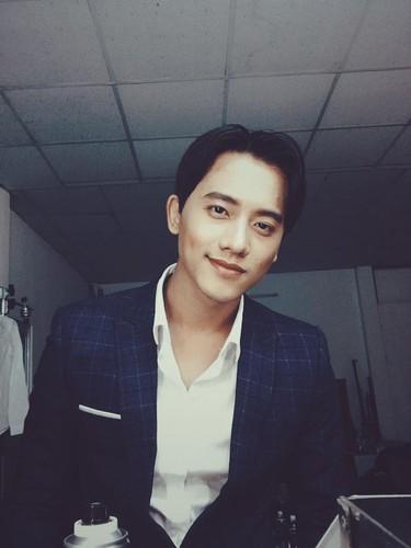 "Thay giao dep nhu nam than trong MV ""Em gai mua"" la ai?-Hinh-7"