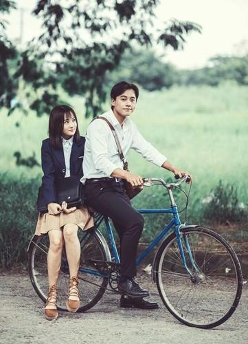 "Thay giao dep nhu nam than trong MV ""Em gai mua"" la ai?"