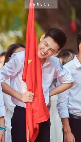 """Dan mang """"phat cuong"""" vi nam sinh truong THPT Phan Dinh Phung-Hinh-3"""