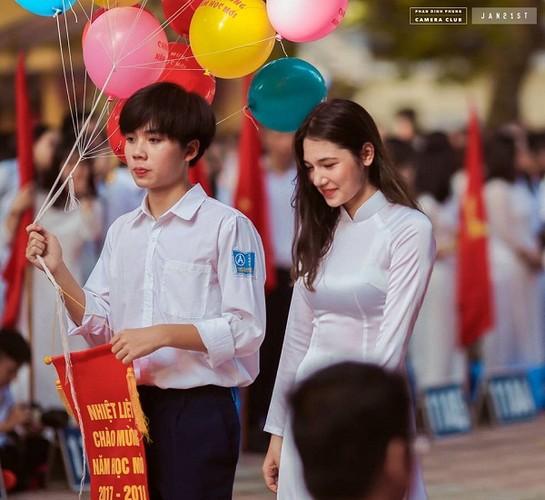 """Dan mang """"phat cuong"""" vi nam sinh truong THPT Phan Dinh Phung-Hinh-7"""