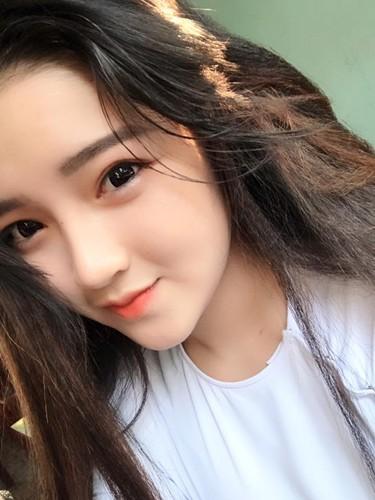 """Hot girl Quang Nam """"trang xinh khong ty vet"""" gay sot mang-Hinh-3"""