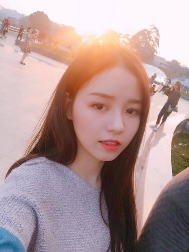 Gai xinh khoa IT truong DH Cong nghe Thuc pham khoe sac-Hinh-2