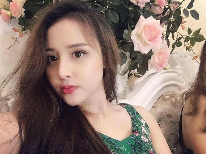 """Nho """"dao keo"""", nu sinh truong Luat lot xac khong tuong-Hinh-3"""