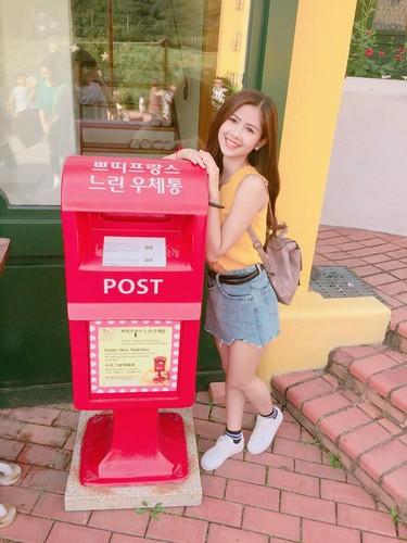 """Hot girl chan khoeo"" lam gi o xu so Kim Chi?-Hinh-2"