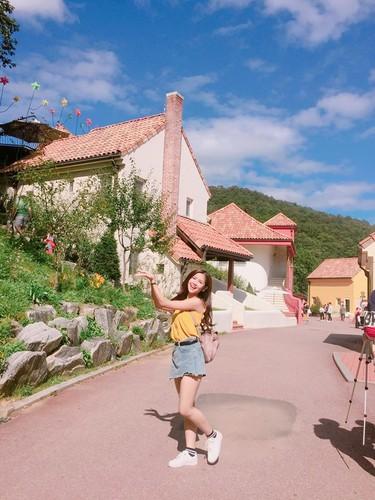 """Hot girl chan khoeo"" lam gi o xu so Kim Chi?-Hinh-3"