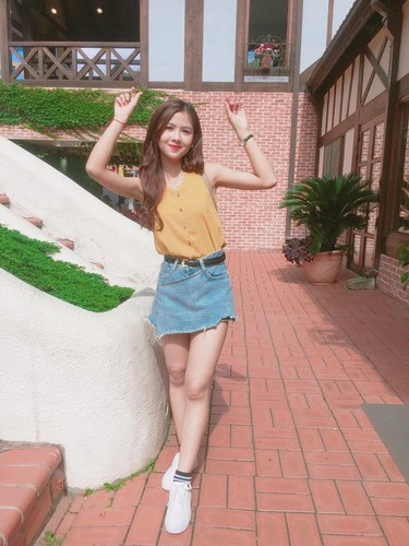 """Hot girl chan khoeo"" lam gi o xu so Kim Chi?-Hinh-8"