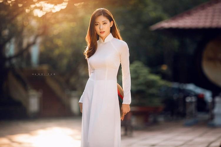 Nu sinh Ha thanh mac ao dai trang dep den nao long-Hinh-2