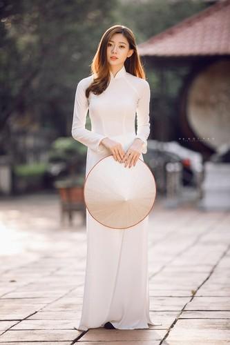 Nu sinh Ha thanh mac ao dai trang dep den nao long-Hinh-6