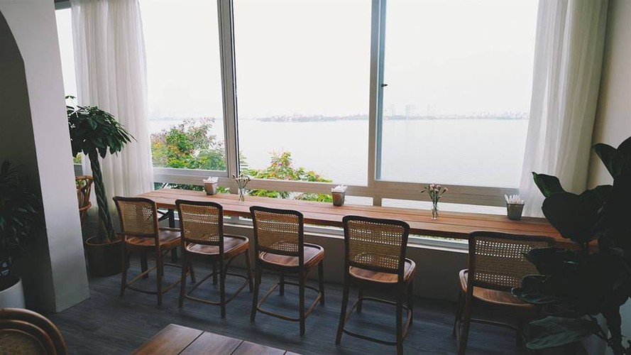 Gioi tre Ha thanh check-in quan cafe ngam toan canh Ho Tay-Hinh-2