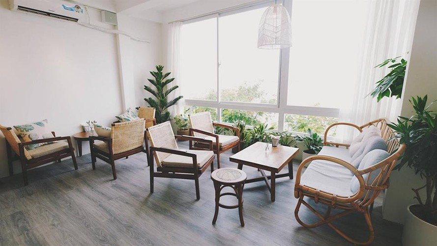 Gioi tre Ha thanh check-in quan cafe ngam toan canh Ho Tay-Hinh-4