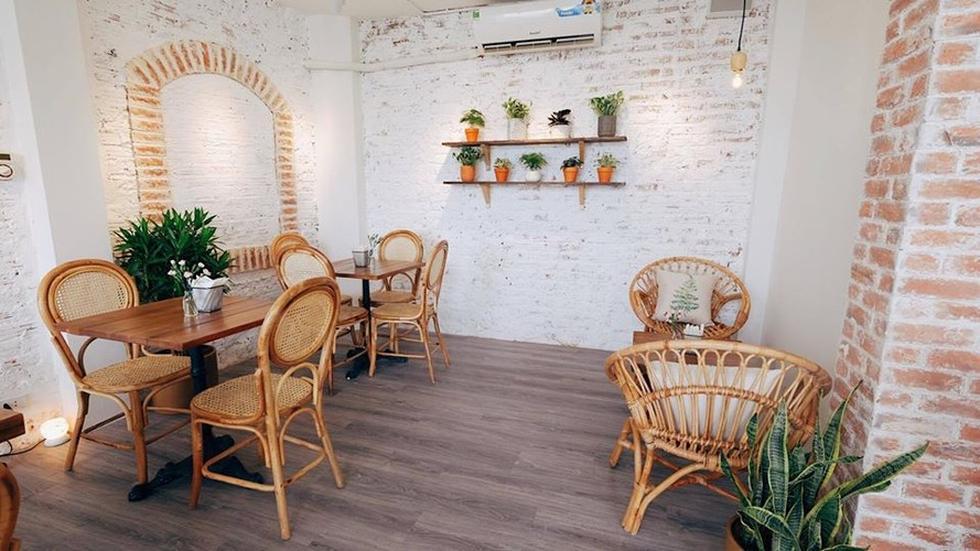 Gioi tre Ha thanh check-in quan cafe ngam toan canh Ho Tay-Hinh-7