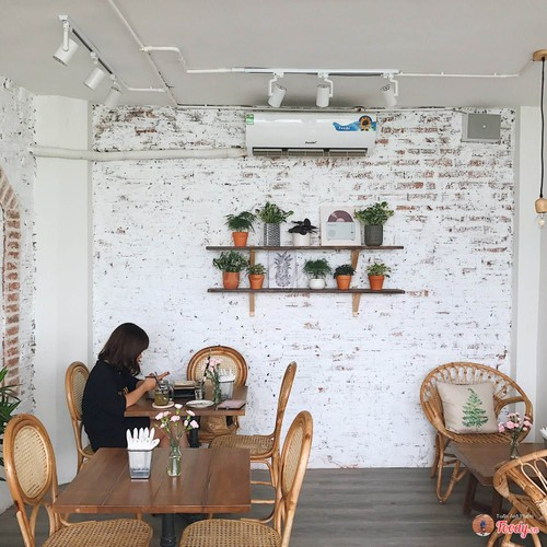 Gioi tre Ha thanh check-in quan cafe ngam toan canh Ho Tay-Hinh-9