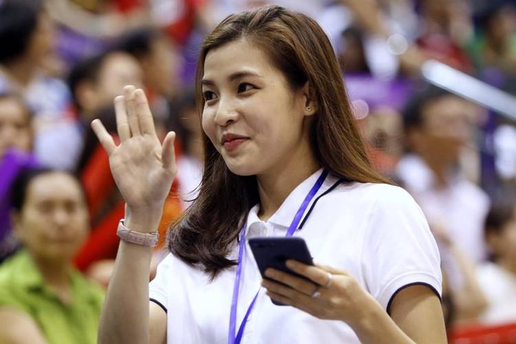 Nu MC the thao Viet khoe dang dep hop hon khan gia tre-Hinh-5