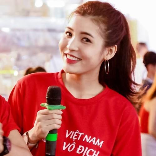 Nu MC the thao Viet khoe dang dep hop hon khan gia tre-Hinh-6