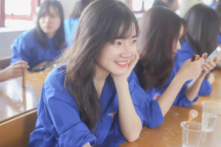 Lop hoc o Nghe An toan gai xinh khien dan mang dien dao-Hinh-3