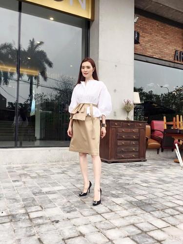 "Ba chu xinh dep va ""mau lua"" cua CLB bong ro Thanglong Warriors-Hinh-3"