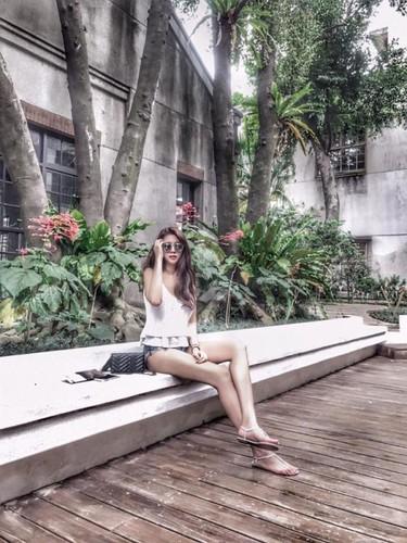 Chan dai hon 1m nhung lung lai ngan, hot girl gap phien toai-Hinh-8