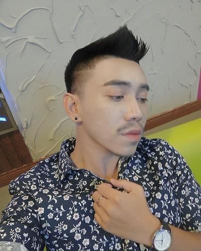 Chan dung chang trai lai 3 dong mau gay bao mang-Hinh-8
