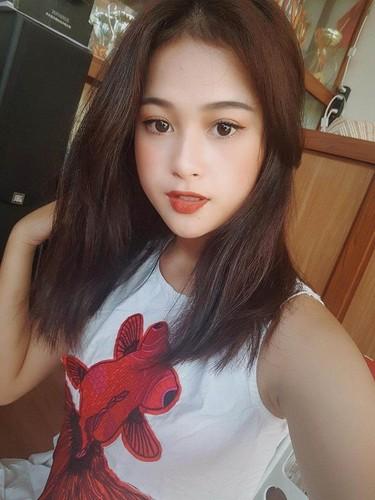 "Hot girl Lang Son co giong hat nhu ""rot mat vao tai"""