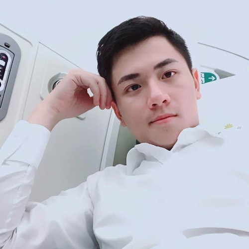 Hot boy Vietnam Airlines don tim dan mang Viet la ai?