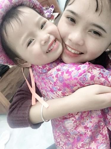 Chi lay chong, em gai khoc nhu mua vi ly do khong tuong-Hinh-9