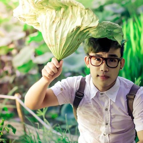 Hot boy Thanh Hoa va tai nang bien rac thanh quan ao-Hinh-4