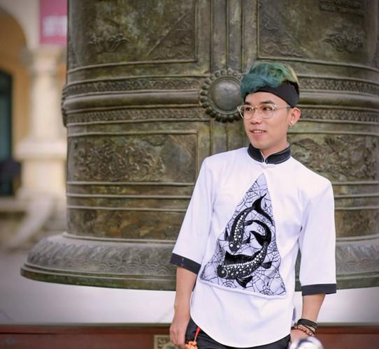Hot boy Thanh Hoa va tai nang bien rac thanh quan ao-Hinh-5