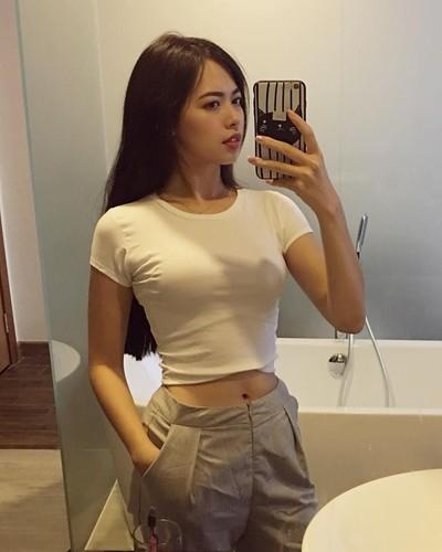 Nu giang vien DH Xay dung xinh nhu hot girl gay sot-Hinh-4