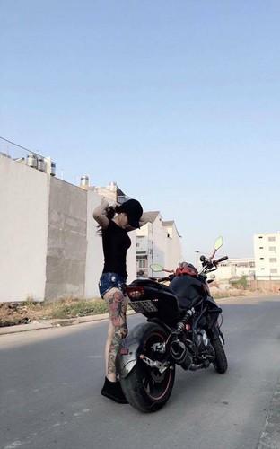 Co gai Sai Gon xam kin chan, me xe do day phong cach-Hinh-3