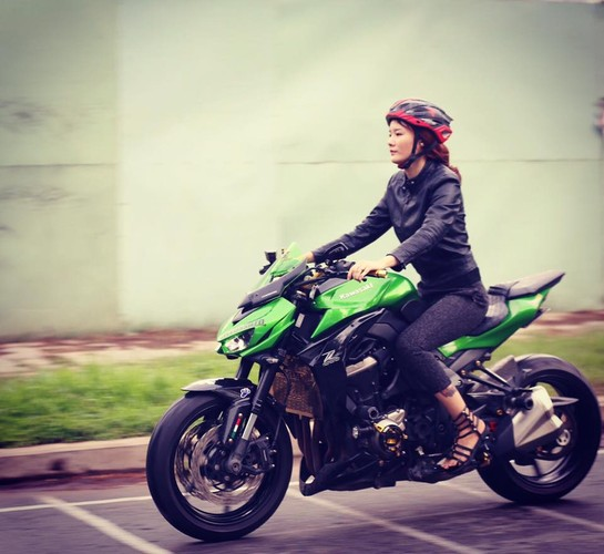 Co gai Sai Gon xam kin chan, me xe do day phong cach-Hinh-6
