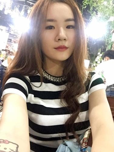 Co gai Sai Gon xam kin chan, me xe do day phong cach-Hinh-9
