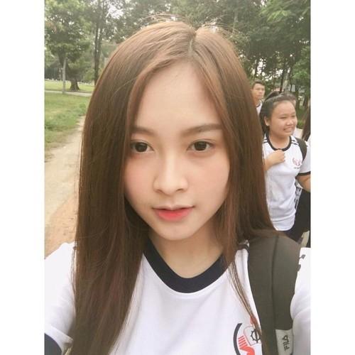 """Nu sinh Su pham Ky thuat xung danh """"bong hong giua sa mac""""-Hinh-2"""
