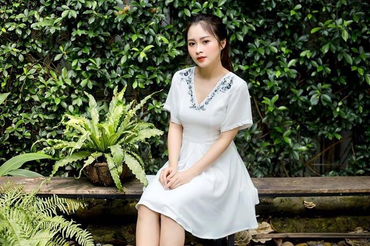 """Nu sinh Su pham Ky thuat xung danh """"bong hong giua sa mac""""-Hinh-3"""