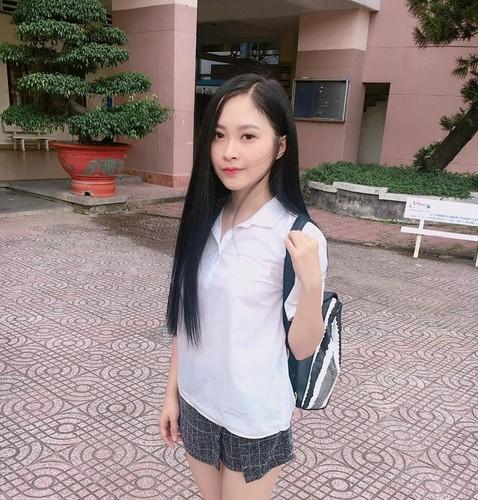 "Nu sinh Su pham Ky thuat xung danh ""bong hong giua sa mac"""